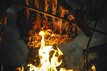 Chef Dave DiBari of The Cookery hosted a Lagering Cave in Dobbs Ferry to cook over live fire.